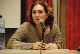 Ada Colau: «Hi ha vides en joc»
