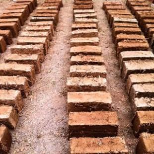 Curs de bioconstrucció a l'abril a Sant Llorenç Savall