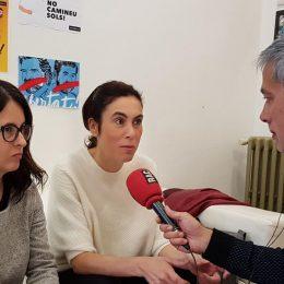 Foto RAC1, Albert Om entrevistant a Sussana Barreda i Txell Bonet